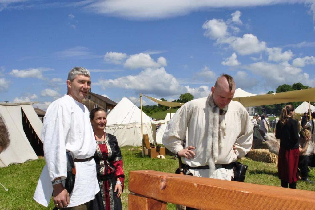 Herbert, Sabine und Aron bei der Streckbank