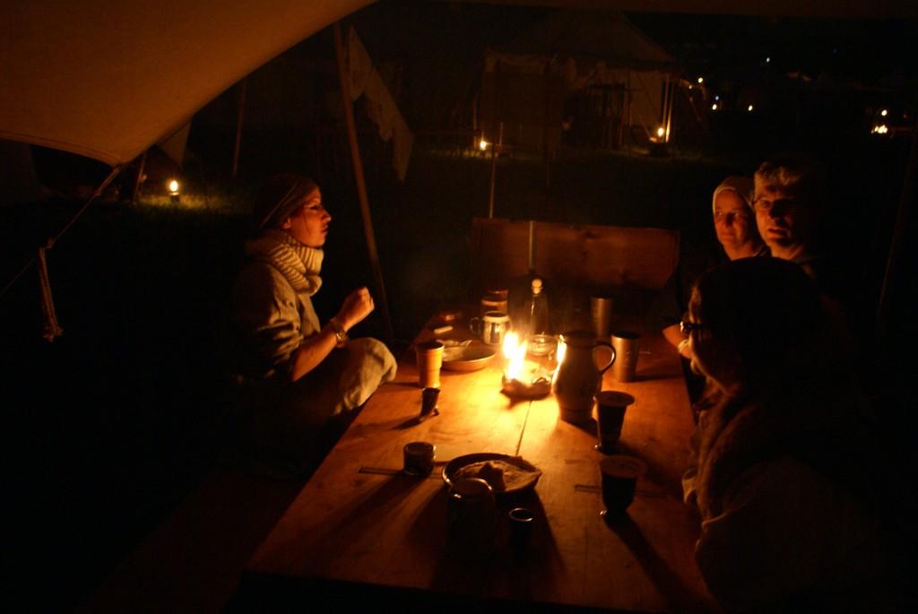 Gemütliches Beisammensein am späten Abend