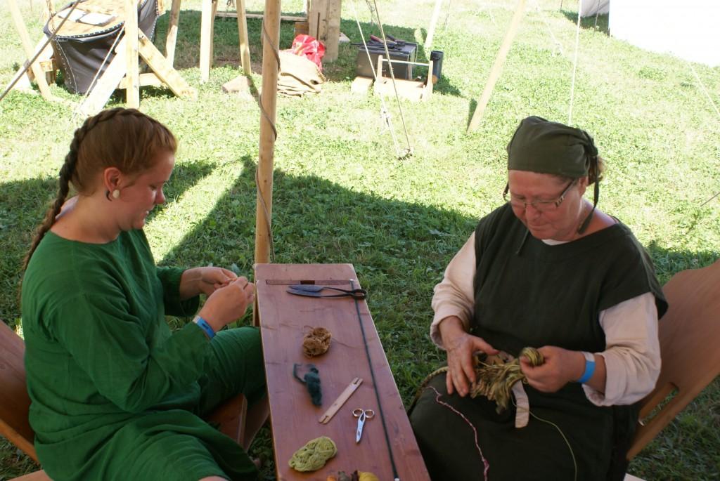 Die Schneiderinnen bei der Arbeit